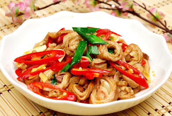 每日菜谱||红烧肥肠的做法