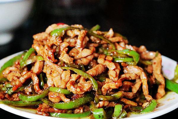 每日食谱||青椒炒肉丝的做法