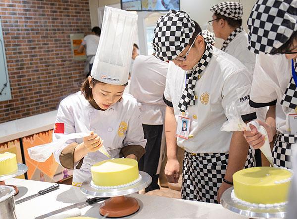 初高中毕业生学厨师的前景怎么样?