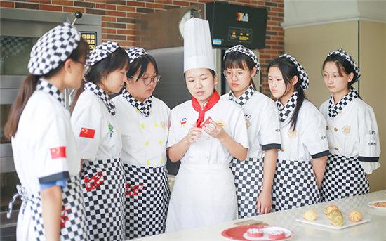 在徐州学烘焙,就来徐州新东方烹饪学校