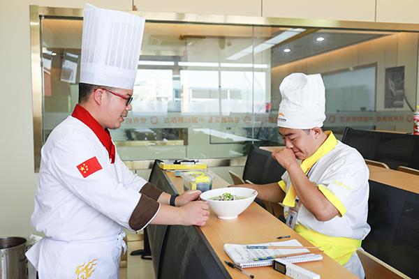 什么样的人适合学厨师,来徐州新东方给你答案