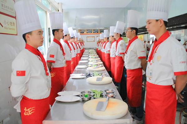 如果不想继续上中学,为什么要选择学厨师?