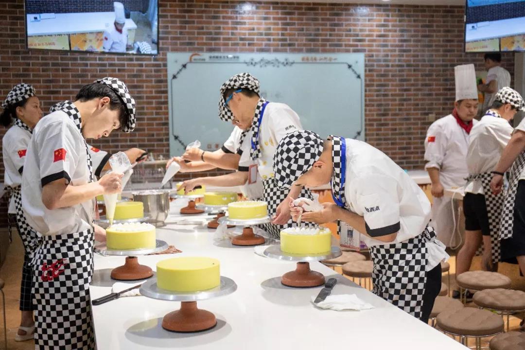 想创业开甜品店,去哪里学?那就来徐州新东方烹