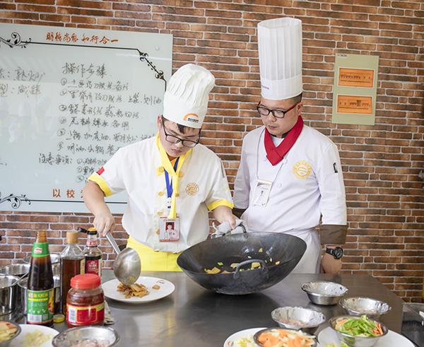 学中餐,就选徐州新东方烹饪学校