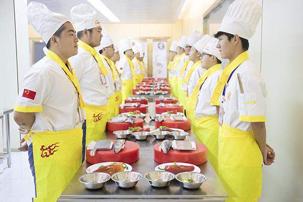 在徐州新东方烹饪学校,烹饪属于你的五味人生