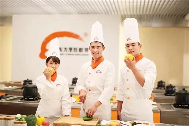 今天我们开学啦!徐州新东方烹饪学校期待你的