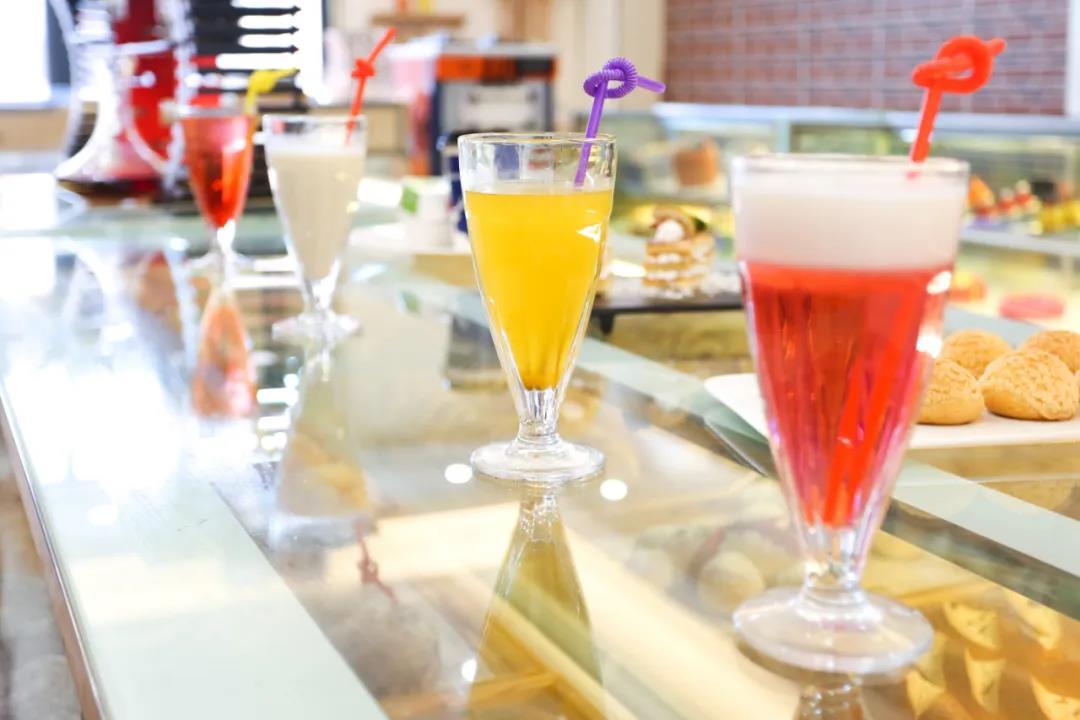 秋天里第一杯奶茶,来徐州新东方请你喝!
