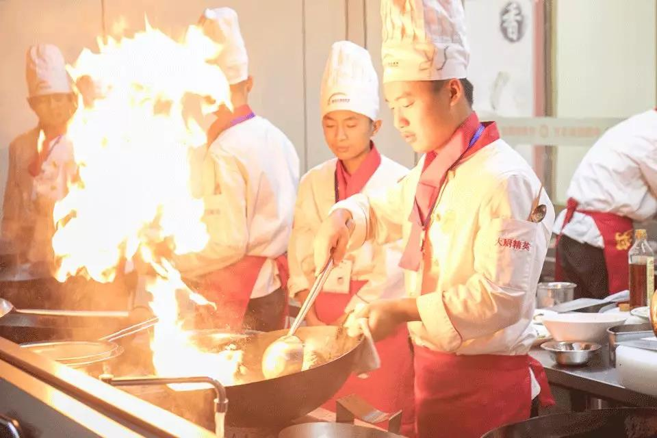 不管你多少岁,想学烹饪技术就来徐州新东方烹