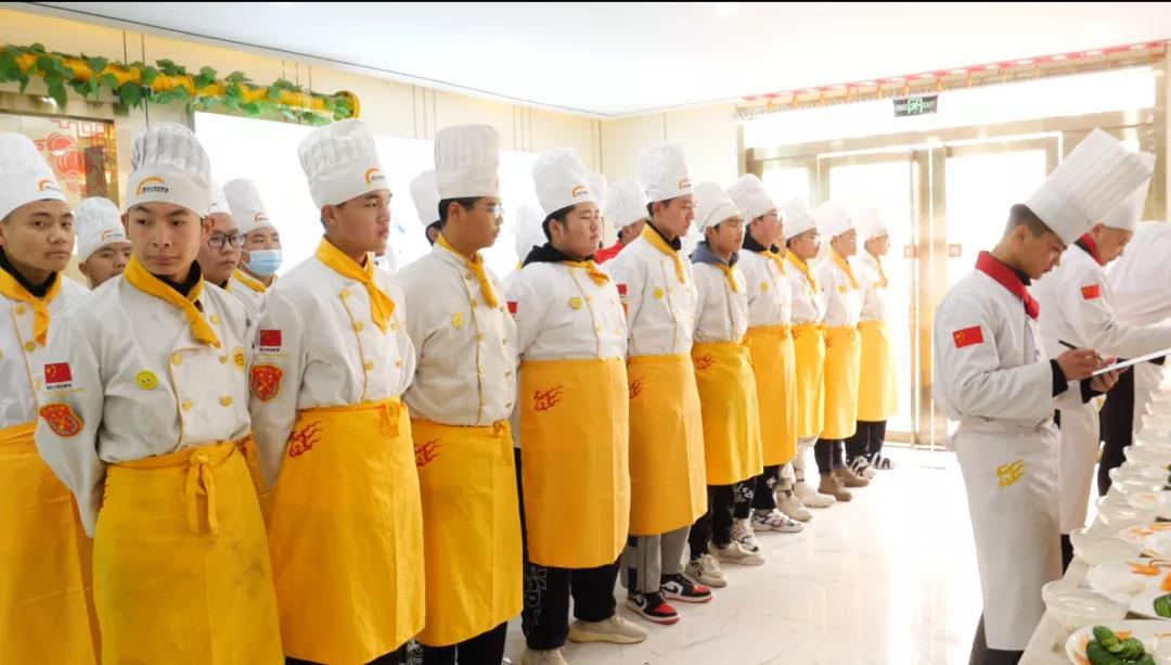 【直击现场】徐州新东方金领大厨2004班刀工