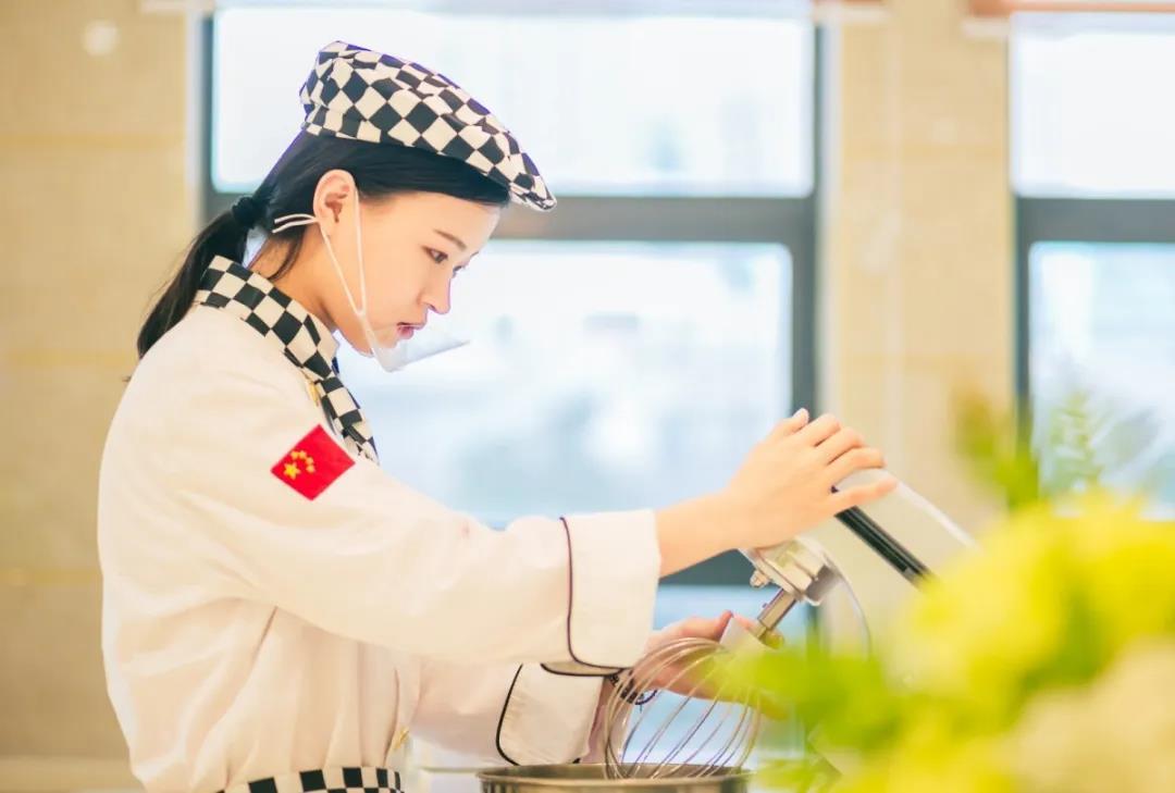 女生可以学厨师吗?女生学厨师好不好?欢迎报读